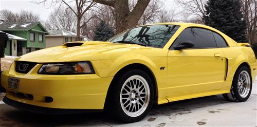 Cory Pykiet's 2002 Ford Mustang