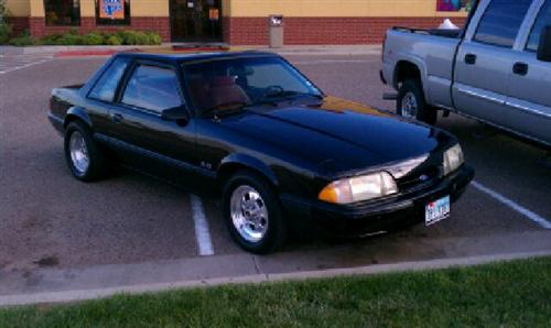 Ernest Lopez's 1990 Ford Mustang