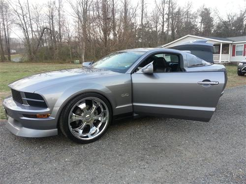 jerome spears' 2009 ford mustang