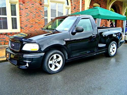 johnny murray's 2001 ford F-150 Lightning