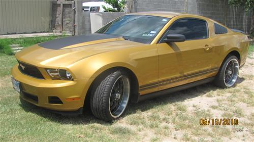 marco  cantu's 2010 ford mustang