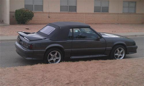 Ronel Rosado's 1992 Ford Mustang