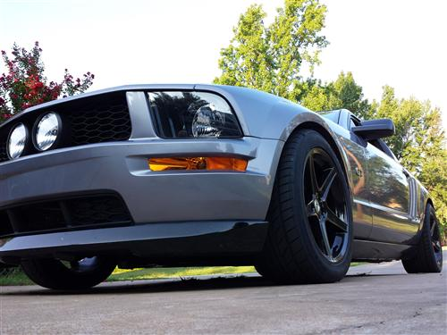 Ronnie Jones' 2006 ford mustang GT