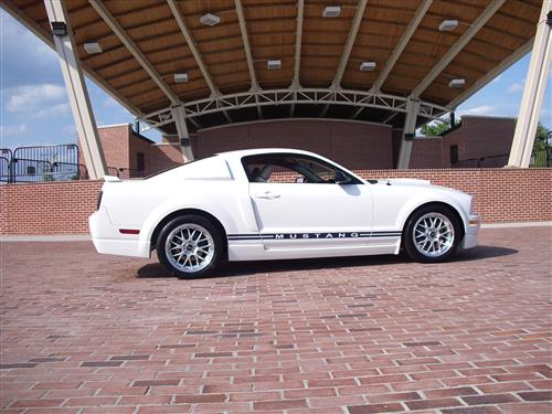 sonia barnes' 2005 ford mustang