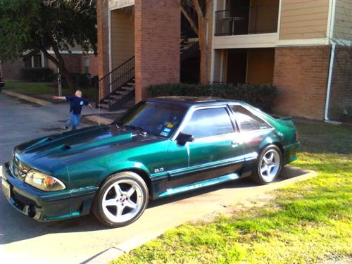 VICTOR AGUILAR's 1992 FORD MUSTANG GT